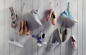 Стирка обуви в стиральной машине и вручную