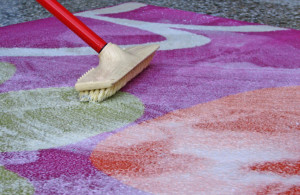 Чем лучше стирать палас или ковер и как это сделать?