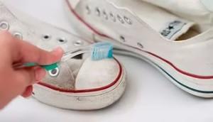 Как стирать обувь