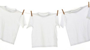 стирка белой футболки