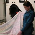 Как стирать шторы правильно