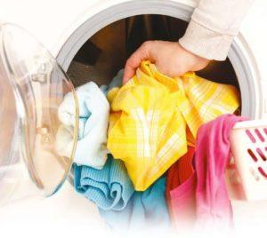 Как отстирать полинявшую цветную вещь и вернуть ей цвет