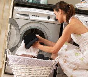 Как стирать черно белые вещи
