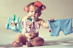 Как вывести пятна с детской одежды
