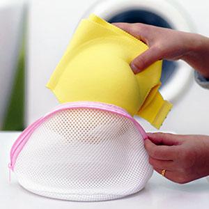 Как постирать бюстгальтер в мешочке