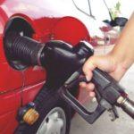 Как вывести пятно от бензина с одежды
