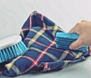 Как вывести жир с джинсовой ткани