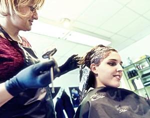 Как и чем отстирать краску для волос