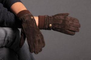 Как постирать замшевые перчатки