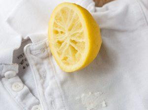 Удаление пятна лимонным соком