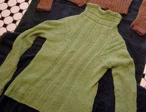 Как стирать свитер, чтобы он сел